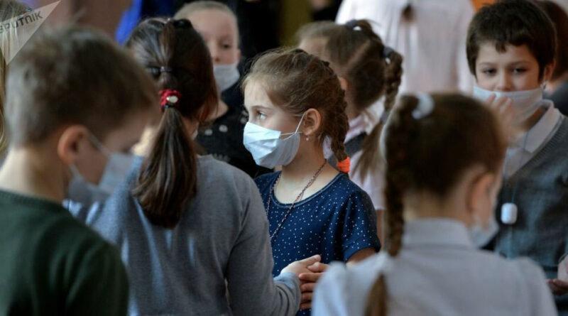Свердловские школьники пойдут на каникулы вовремя